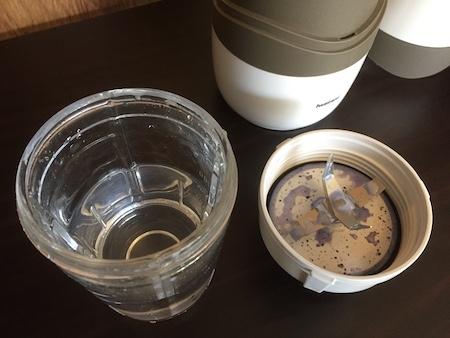 水を入れたサイレントミルサーの写真