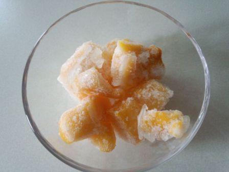 霜がついてしまった果実の写真